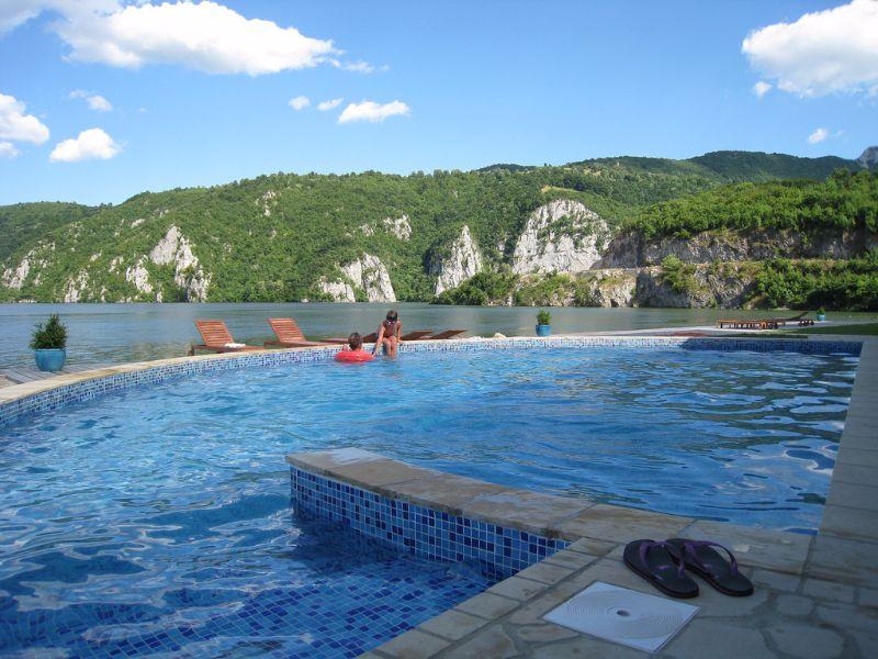 G steh user turism orsova for Schwimmpool preise